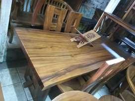 Meja makan kursi trembesi suar