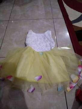 Gaun bayi cantik