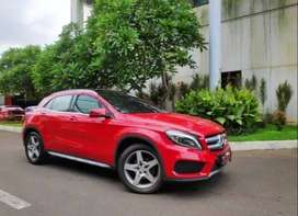 Mercedes Benz GLA 200 Sports 2016 / Red on black / frist hand