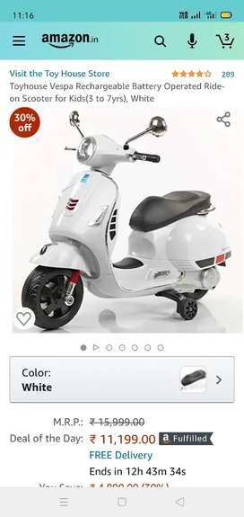 Kids scooter .vespa