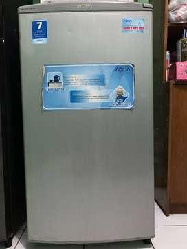 Aqua AQF-S4 S Home Freezer [5 Rak]