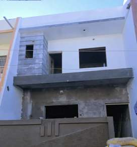 Sell 3 BHK House 1 car parking, total 200 Guz
