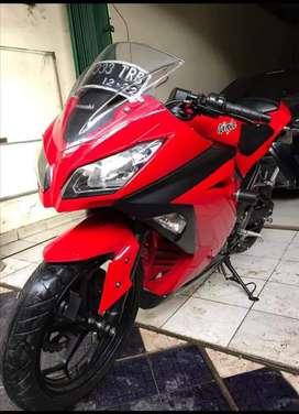 Dijual motor Ninja  250 FI pribadi jarang dipake km msh rendah