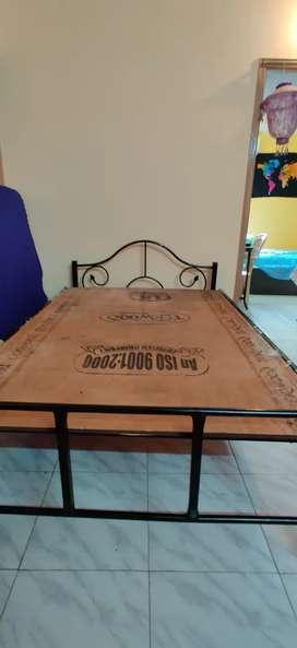 Queen size cott and mattress