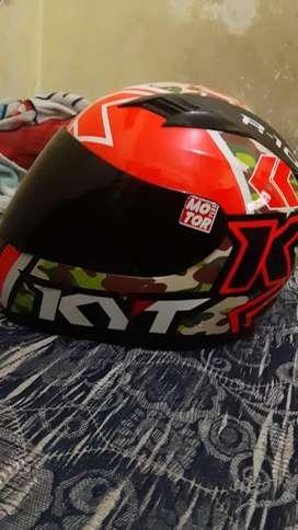 helm kyt r10 ukuran M