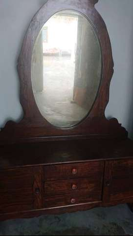 Dressing Table & show case