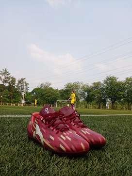 Sepatu Bola Ortuseight size 44