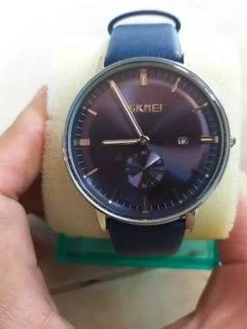 Jam tangan pria dgn warna biru