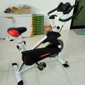 Sepeda statis fitnes olahraga tipe Spinning TL 930 murah