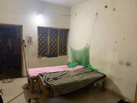 1 Room for rent in 4bhk
