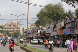 Main road,Shalimar shops on rent