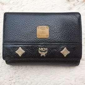 Dompet import eks MCM hitam kotak kulit asli tebal ad no seri