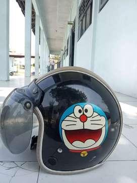 Helm bogo Doraemon
