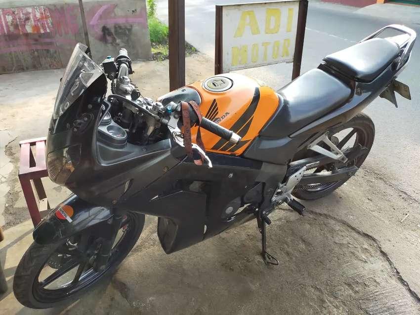 Jual satu unit sepeda motor Honda CB 150R