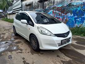 Jazz s 2011 / 2012 at matic new model istimewah sekelas yaris