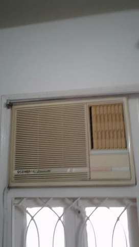 2 window AC in running condition