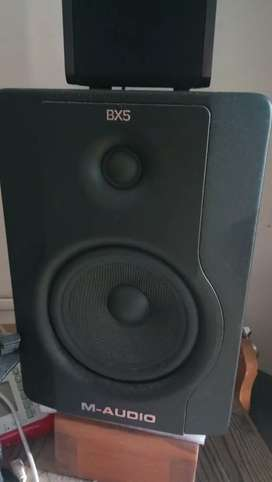 Maudio bx5 delux d2 studio monitor