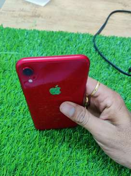 apple xr 64 gb red color .100 taka condition bettery health 90 %