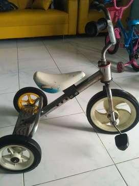 Dijual sepeda anak umur 2-4 tahun kondisi bagus dan layak pakai