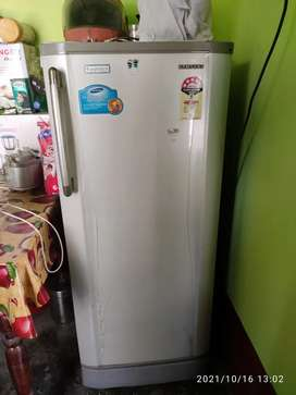 Samsung 4 star refrigerator (Message me if you think of any price)