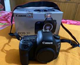 Canon EOS 5D Mark iv Body in Excellent condition
