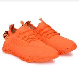 Trendy men sports shoes