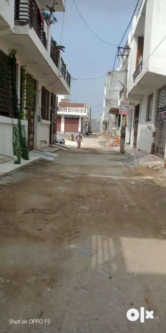 Plot for sell main ryan inclave 33 feet streat road 0