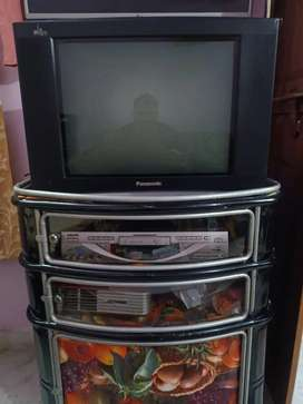 Ultra slim TV in excellent condition