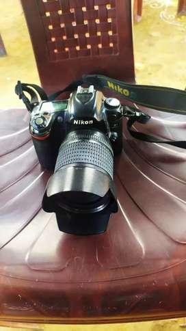 D80 photo camera Rs 10,000