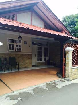 Rumah Asri dan Strategis di Kalisari Jakarta Timur