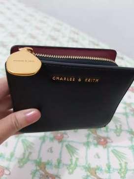 Dijual dompet wanita charles and keith