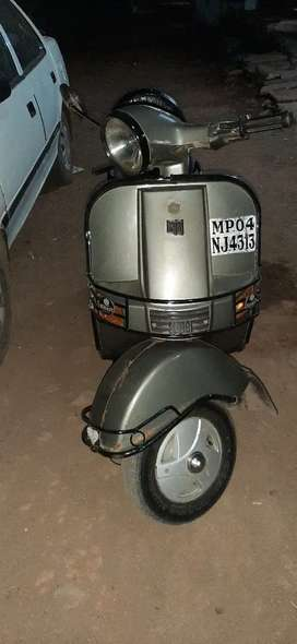 i want sell my scooter bajaj super 2002 model full original condition
