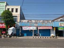 Rumah toko tengah kota dekat pasar wonogiri
