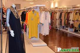 0333,5233555,Fashion Desginer ,Shop For Rent Gold Point Shoping Mall