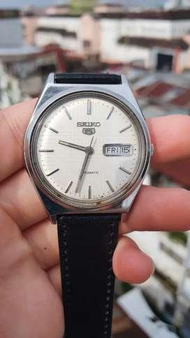Seiko 5 Series 6309 Automatic Watch dengan indikator day-date