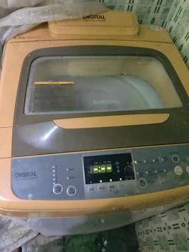 Samsung wasing machine in running condition
