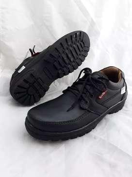 Sepatu casual semi pantofel kulit asli fullblack