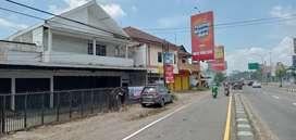 Barat Hartono Mall Jogja, Dijual Bangunan 2 Lantai Cocok Untuk Tempat