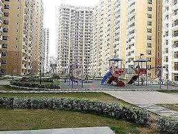 3+Servant semi-furnished flat available in 15k
