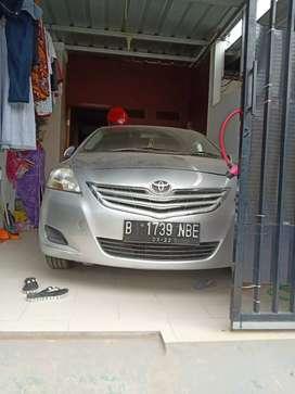 Merek Toyota limo, transmisi manual, ban depan baru semua.mobil ok