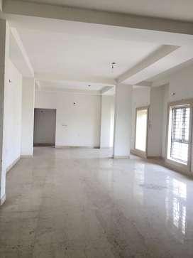 4bhk huge flat on Sell