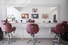 Furnished salon in aam bagan area