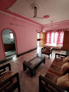 1 & 2 bhk semi furnished society flat available for students & girls