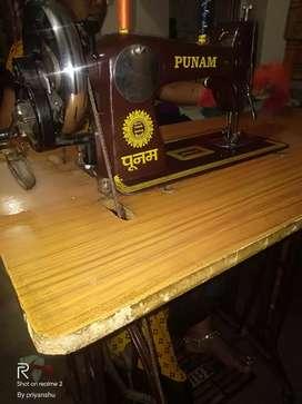 Silai machine (sewing machine) aur paudan