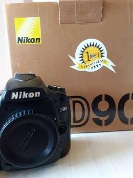 Nikon D90 Semipro Like NEW