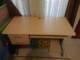 Meja Komputer ukuran 110 x 55