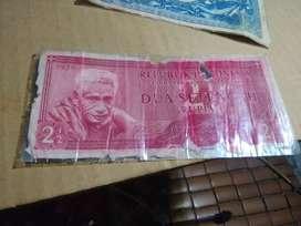Barang antik tahun lama uang kertas