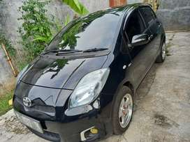 Toyota Yaris J manual Plat R