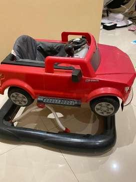 Bright Start Baby Walker mobil Ford 85%steer,music,klakson semua nyala
