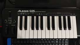 Alesis Q25 midi keyboard